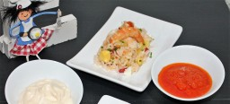 Salpicón de marisco con arroz basmati y piña