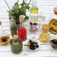 Aceites y vinagres aromáticos o aromatizados